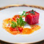 レストラン クレッセント - トマトのコンプレッション プラムオイル風味