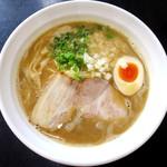 麺や hide - 醤油ラーメン_750円