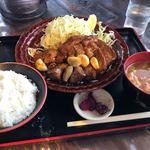 来来憲 - さくら大とんてき定食(250g) 2,000円 ご飯、豚汁、漬物付
