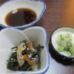 92821212 - 天ぷら定食の小鉢と香の物