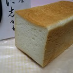 92821535 - 高級食パン