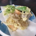 由屋 - 野菜天ぷら 700円