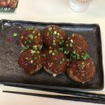 大阪やき三太 - 料理写真:キムチたこ焼き6個。 税込400円。 美味し。