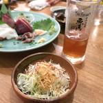 魚真 - 名物キャベツ・サラダ