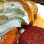 湘南パンケーキ - アップルコンポート&キャラメルソースパンケーキ(ロイヤルブルボン)