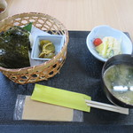 古民家レストラン 棚田カフェ ごんべい - おにぎり定食600円