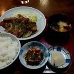 文ちゃん - 料理写真:豚しょうが焼き定食 800円