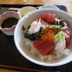いかやき 福寿草 - 生海鮮丼 1600円
