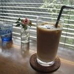 カフェ エ フロマージュ シニョン - アイスカフェラテ