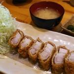 金の豚 おか田 - とんかつ定食 バラトロ