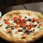 ナポリピッツァ Pizzeria la Rossa - ラ・ロッサ