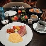 バロン - [料理] 朝の洋定食 全景♪w ①
