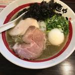 92847930 - 【味玉追い煮干しそば…900円】2018/8