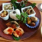 ロータスリーフ - 料理写真:里山定食