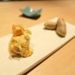 焼鳥 茜 - いぶりがっこ入りポテサラと茹で落花生