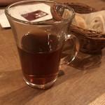 ワインの酒場。ディプント - ホットウーロン茶