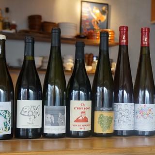 """""""自然派ワイン""""が12種類以上5000円で2時間楽しめます!"""