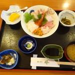 峰 - 海鮮丼1800円