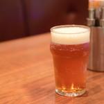 マティーニバーガー - ブルックリンラガー生ビール(1/2)@590円