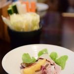 はん亭 - 【はん亭のひる膳@3,200円】お通しの野菜スティック+お洒落な箸休め