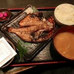 渋谷宇田川町のひもの屋 - 金目鯛の開き定食