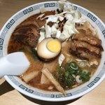 桂花ラーメン - 太肉麺980円、キャベツ少ない、豚角煮小さい、ワタシ、トテモカナシイ