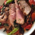 喃喃 - 霧島豚グリルトマトとモロヘイヤソース
