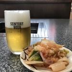 やきにく武蔵 - 料理写真:プレモルとイカキムチ(2018.9.17)