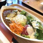 ゴバンチ - フルーツたっぷり野菜カレー