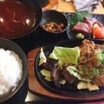 海鮮れすとらん 魚輝水産 JR平野駅前店 - 新鮮造り盛りと厚切り牛タン豚の生姜焼き定食♡¥1000