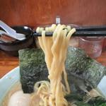 92884833 - 豚骨醤油らーめん(麺)