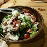 かきっこ商店 - 規定メニュー①:カリカリベーコンとチーズとクルトンのサラダ