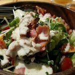 かきっこ商店 - カリカリベーコンとチーズとクルトンのサラダ