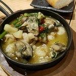 かきっこ商店 - 規定メニュー③:牡蛎と海老のアヒージョ