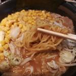 楓 - スタンダードな麺。