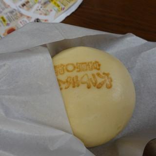 ○錦本舗 - 料理写真:宮島の穴子まん