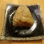 自然派ラーメン処 麻ほろ - チャーハンおにぎり(120円)