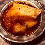 カルパシ - ベンガル風フィッシュカレー:5種類のスパイスでサバのうまみを引き出しています。臭み0。