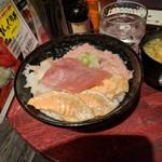 92898693 - 特価丼1000円(ネギトロ、マグロ、海老、トロサーモン)