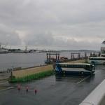 塩釜亭 - 目の前の塩釜港