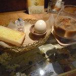 Re Cafe - 水出しカフェラテ+モーニング
