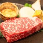 鉄板焼肉 誠屋 - 綺麗なサシが入ったお肉