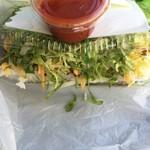 キングタコス - タコライスチーズ野菜 ふた閉まりません