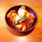 東近江塩元帥 - 料理写真:食べ放題のキムチ♪待ち時間に大活躍 (・ω<)