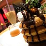 ミクロコスモス - チョコクッキー&メイプルバタークリームパンケーキ