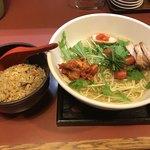 あびんこ亭 - 料理写真:天然冷やし麺  中盛(1.5玉)780円(税込)+半炒飯セット150円(税込)