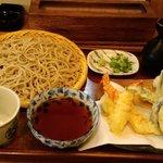 蕎麦切り 西本 - てんぷらそば 最近では珍しく天つゆ付き