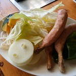 松の実 - 料理写真:野菜と骨付きソーセージ