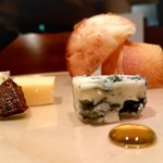 92914113 - イタリア産 チーズの盛り合わせ