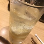 丸鶏料理と濃厚水炊き鍋 鳥肌 -